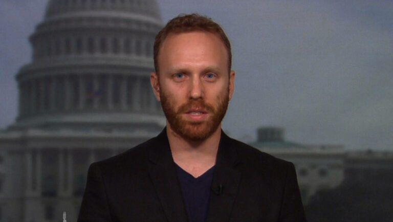 Assange, Sheldon Adelson, and the CIA – Max Blumenthal