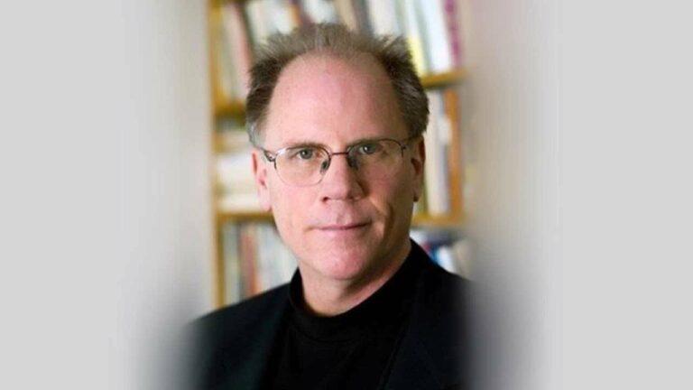The Decline of American Journalism – Robert McChesney